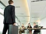 Quy định việc cổ đông công ty khởi kiện ban lãnh đạo
